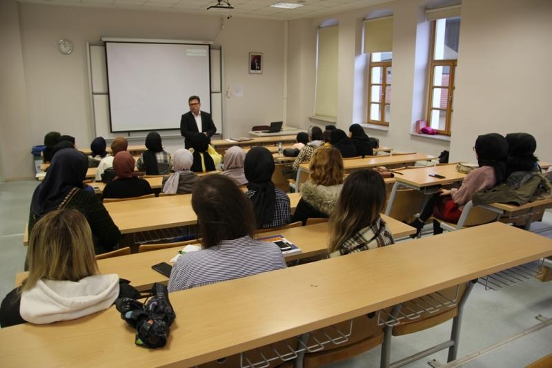 Fatih Sultan Mehmet Üniversitesi Semineri